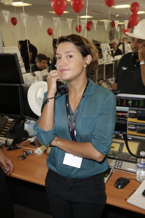 Emma de Caunes lève des fonds en hommage aux victimes des attentats du 11/09, à Paris le 11 septembre 2014
