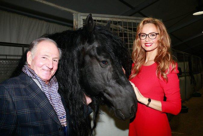 Photos : Adriana Karmebeu : Au cirque, elle est comme chez elle !