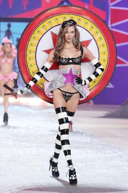 Karlie Kloss lors du défilé Victoria's Secret à New York, le 7 novembre 2012.