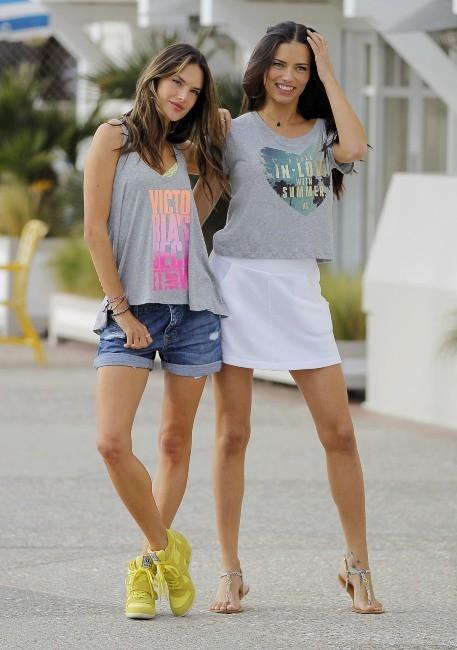 Adriana Lima et Alessandra Ambrosio le 7 mars 2013 à Santa Monica