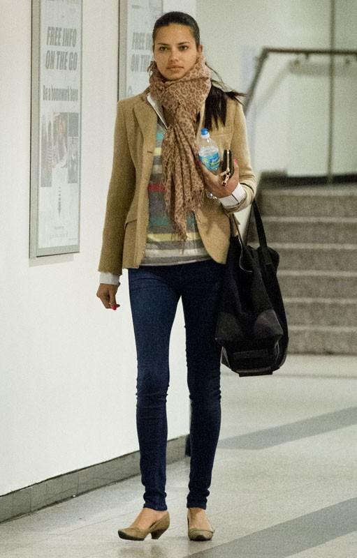 Adriana Lima et Candice Swanepoel atterrissent avec classe et naturel !
