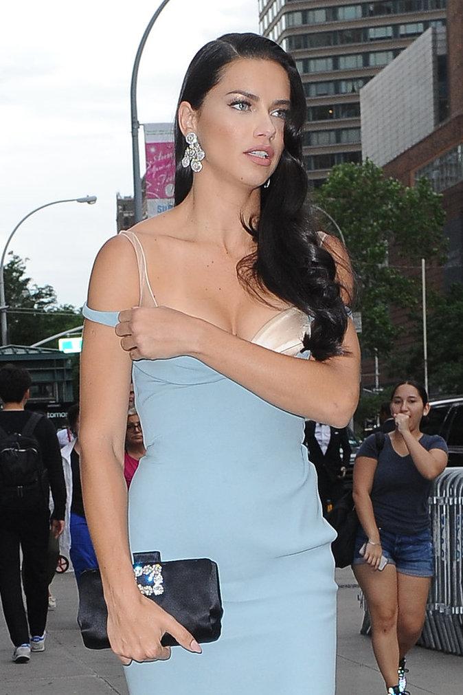 Adriana Lima dans les rues de New York