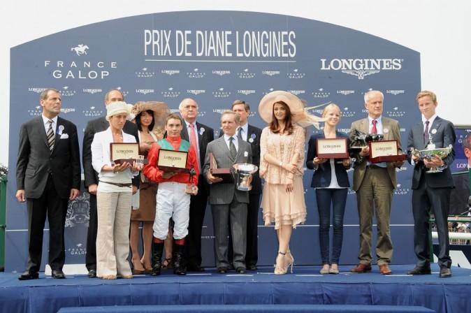 Aishwarya Rai lors du Grand Prix de Diane à Chantilly, le 12 juin 2011.