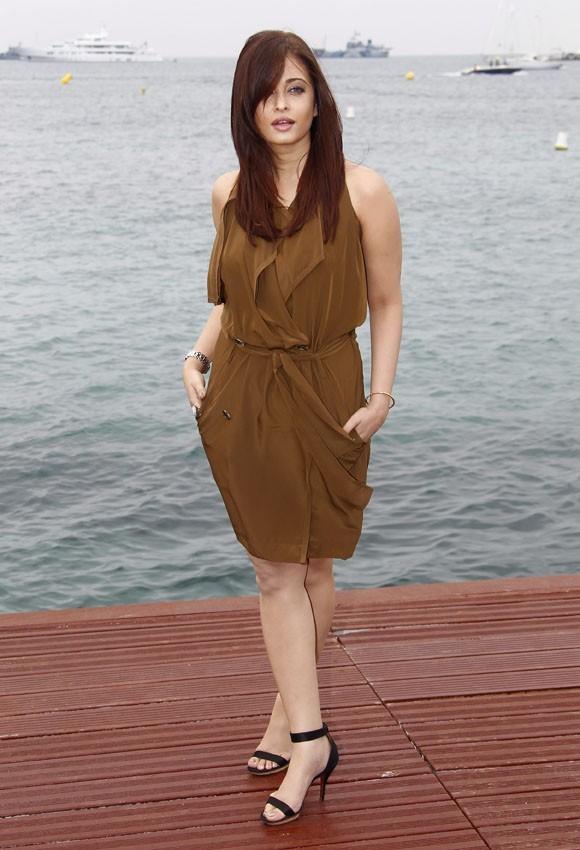 """Aishwarya Rai lors du photocall du film """"Héroïne"""" à Cannes, le 13 mai 2011."""