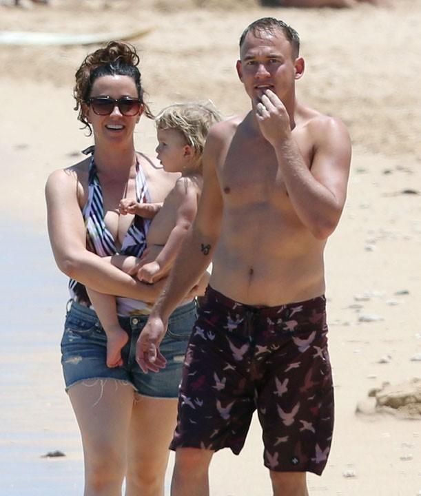 Alanis Morissette en vacances à Hawaï le 5 mai 2013