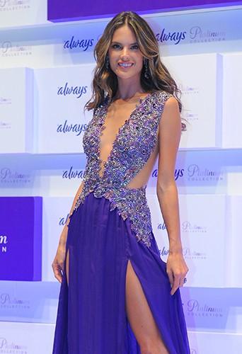 Alessandra Ambrosio à Sao Paulo le 17 juillet 2013