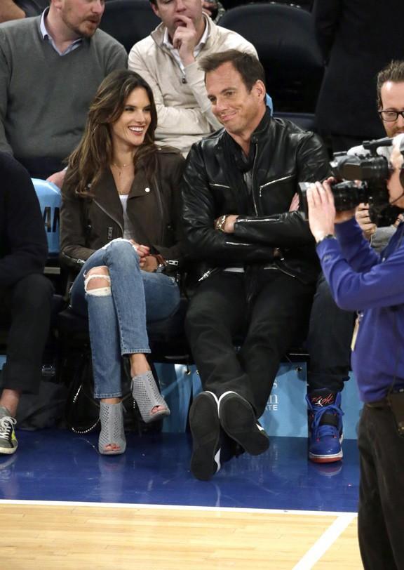 Alessandra Ambrosio à New-York le 25 mars 2015
