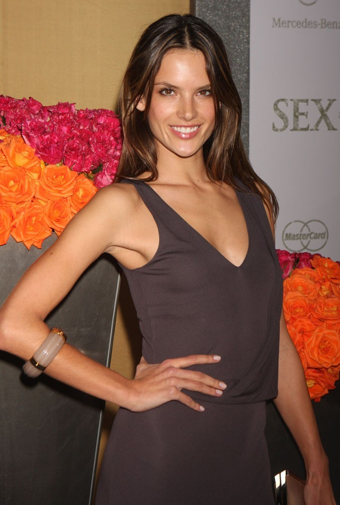 Photos : Alessandra Ambrosio à 29 ans