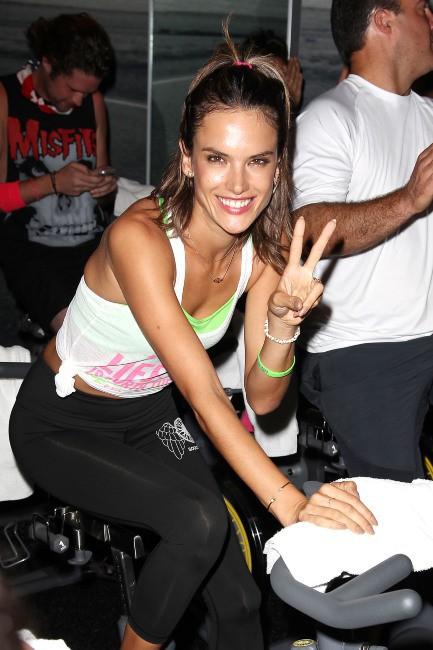 Alessandra Ambrosio lors du Supermodel Cycle à New York, le 10 juillet 2013.