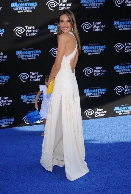 Alessandra Ambrosio le 17 juin 2013 à Los Angeles