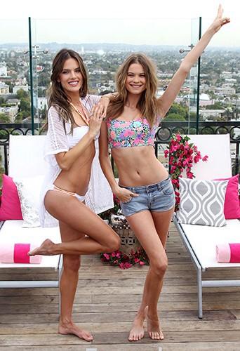 Alessandra Ambrosio et Behati Prinsloo à Los Angeles le 11 mars 2014