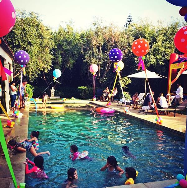 Photos : Alessandra Ambrosio : et un deuxième birthday coloré pour les six ans de son adorable Anja !