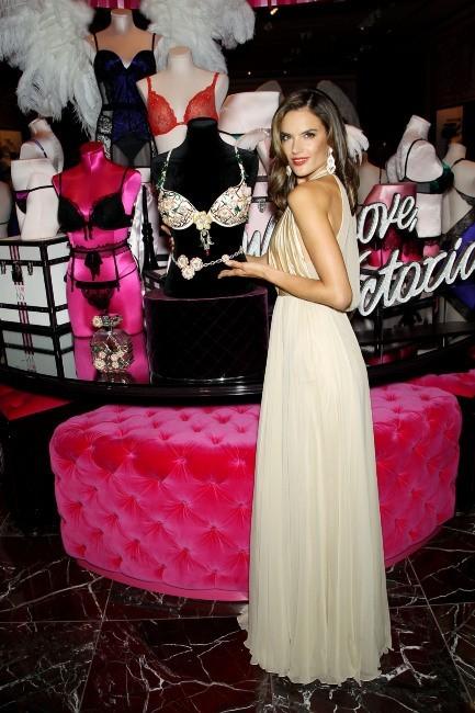 Alessandra Ambrosio, New York, 18 octobre 2012.