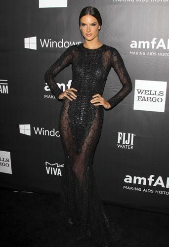 Alessandra Ambrosio au gala de l'AmfAR, le 29 octobre 2014 à Los Angeles