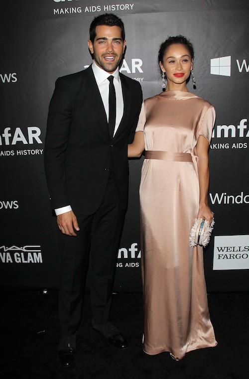 Cara Santana et Jesse Metcalfe au gala de l'AmfAR, le 29 octobre 2014 à Los Angeles
