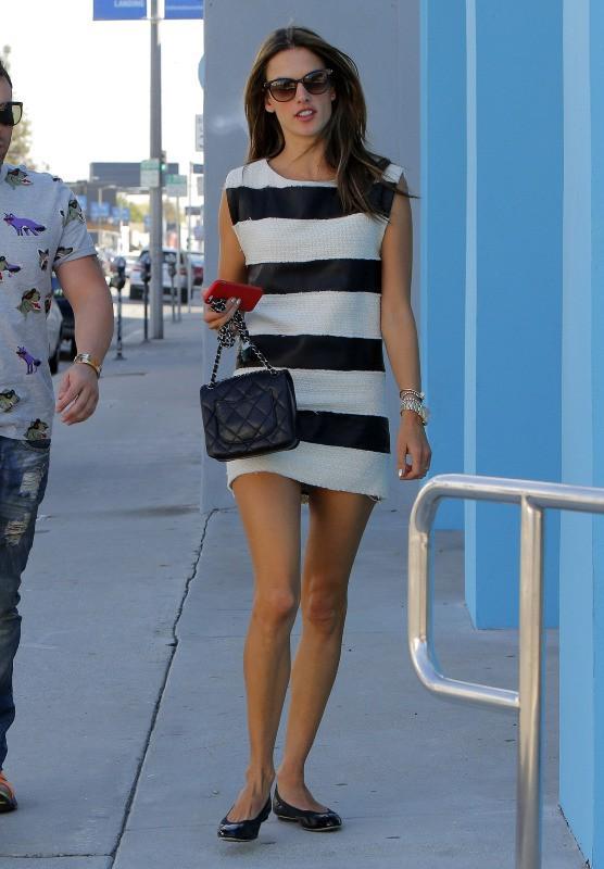Alessandra Ambrosio à Los Angeles, le 7 octobre 2013.