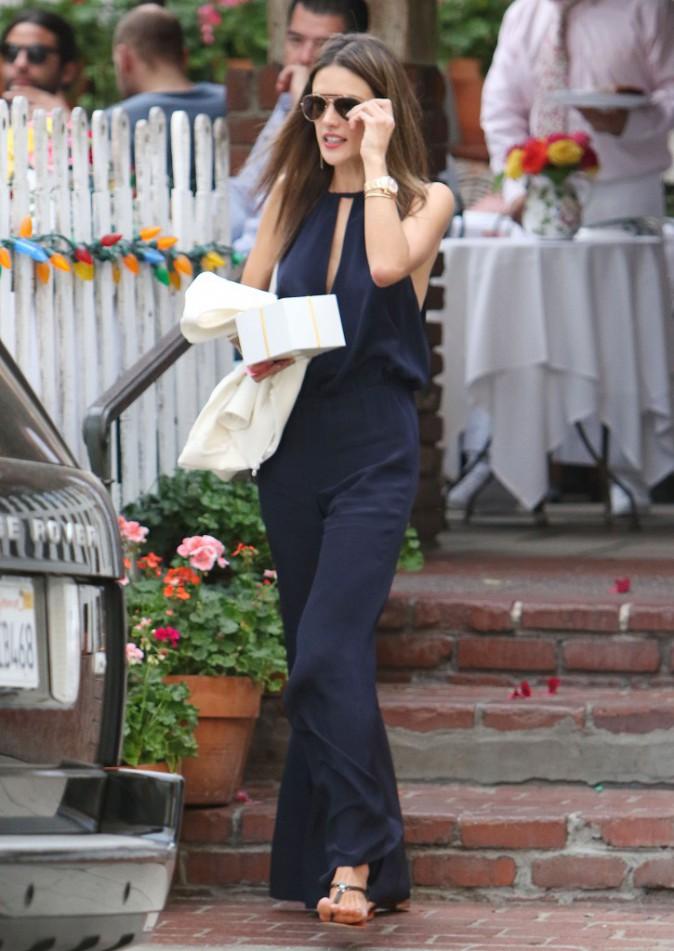 Alessandra Ambrosio à Los Angeles le 18 novembre 2014