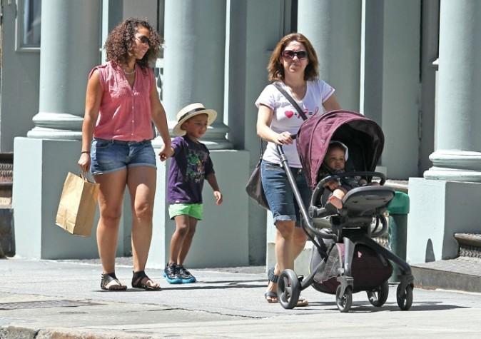 Alicia keys en balade en famille à New York, le 14 juillet 2011.