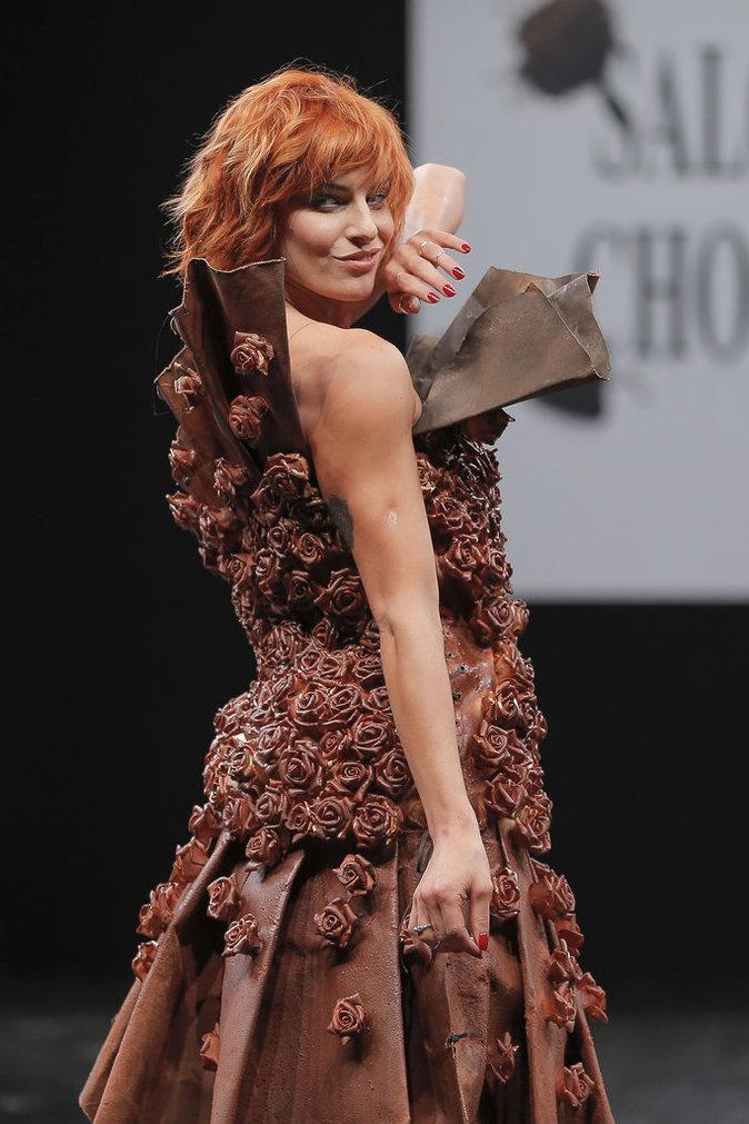 Fauve Hautot, Camille Cerf... des beaut�s chocolat�es et � tomber !