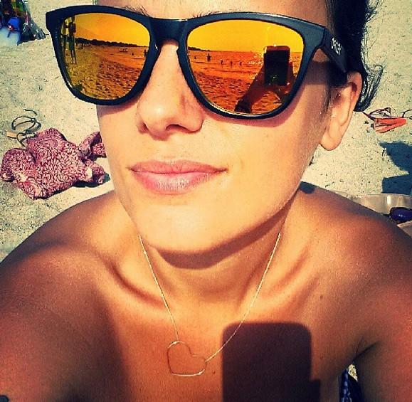 Alizée en vacances chez elle en Corse !