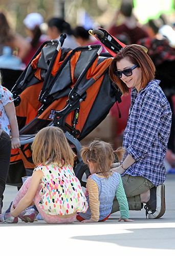Alyson Hannigan en famille à Los Angeles le 9 mars 2014