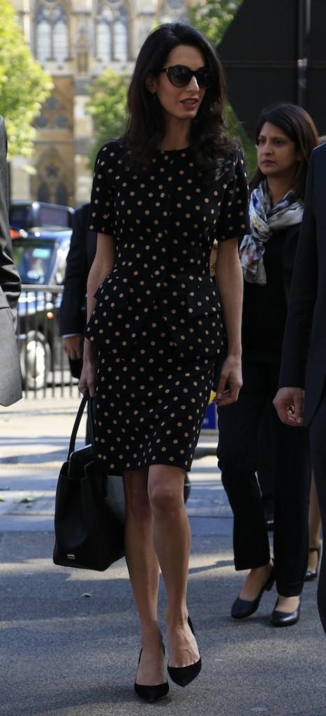Photos : Amal Clooney : malgré des traits tirés, elle garde la classe !