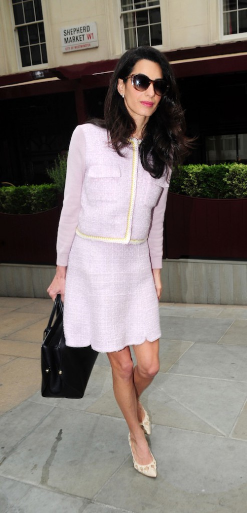 Photos : Amal Clooney ou le retour de la working girl BCBG !
