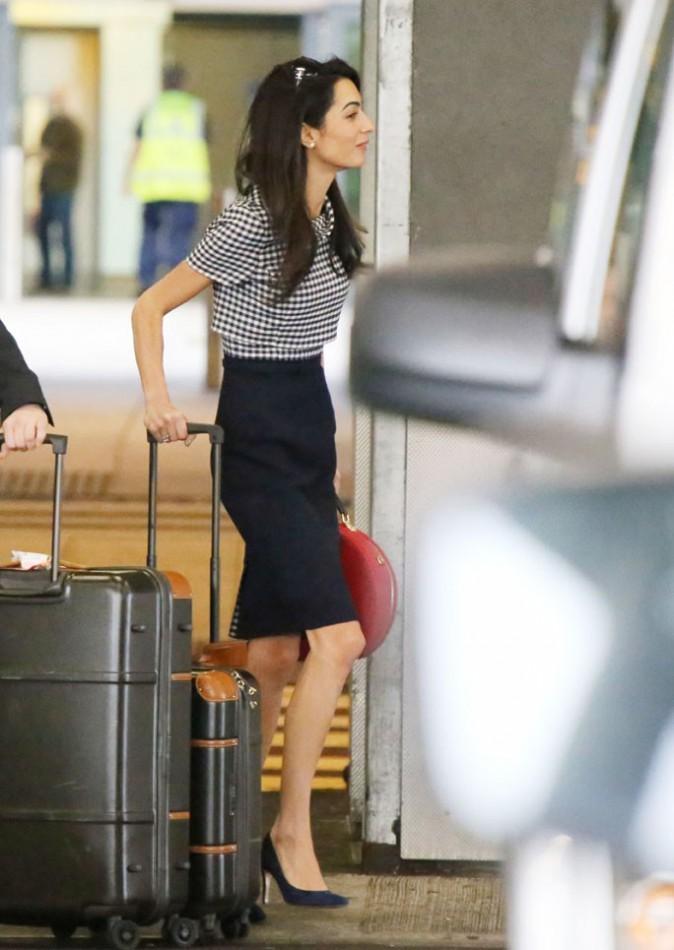 Amal Clooney à l'aéroport Heathrow de Londres le 16 octobre 2014