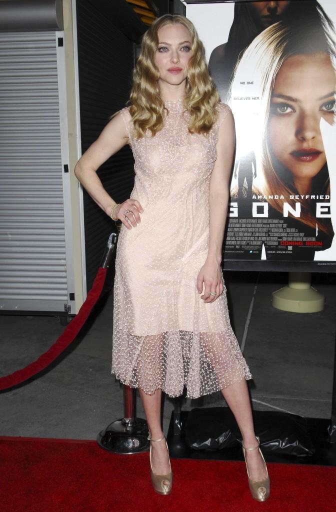 Amanda Seyfried lors de la première du film Gone à Hollywood, le 21 février 2012.