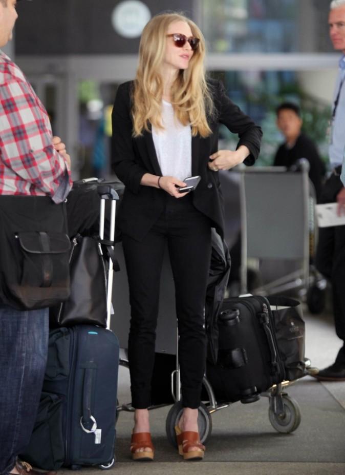 Amanda Seyfried à l'aéroport de Los Angeles, le 21 juin 2012.