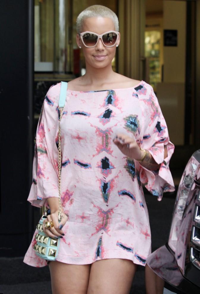 Amber Rose en plein shopping à L.A., le 10 juillet 2013.
