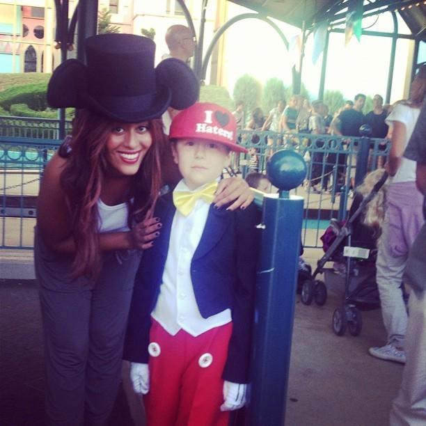 Avec le plus jeune des Mickey !