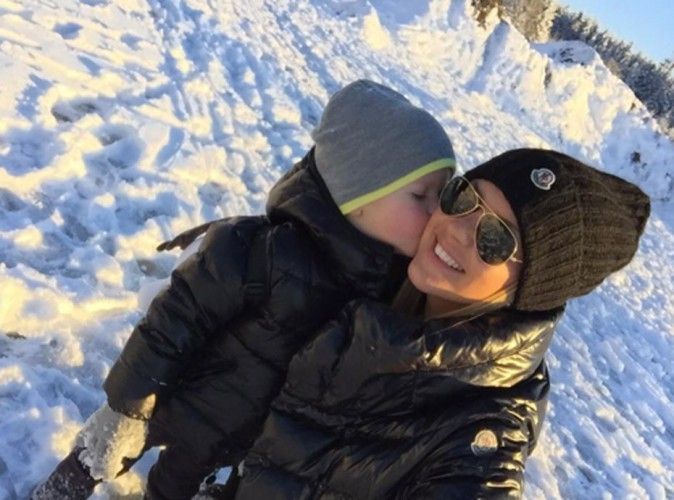 Photos : Amélie Neten : arnaquée, elle s'échappe au ski avec son adorable Hugo !