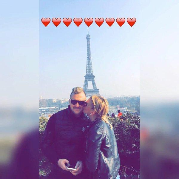 Photos : Amélie Neten : son couple violemment attaqué, son chéri réagit !