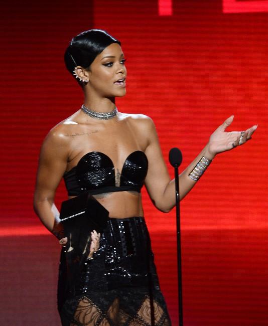 Rihanna lors des American Music Awards à Los Angeles, le 24 novembre 2013.