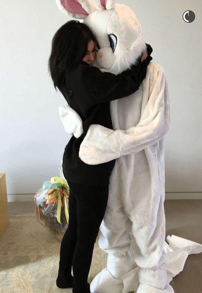 Amour, bonne humeur et cadeaux à gogo, l'incroyable week-end de Pâques des Kardashian !