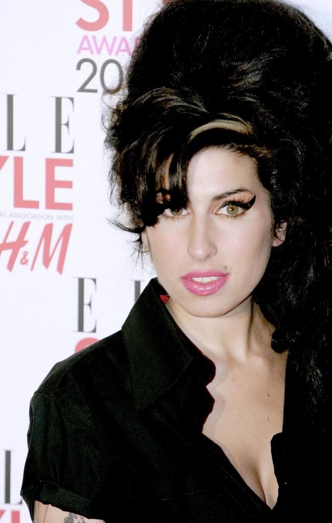 Le nouveau look d'Amy arrive et il fait mal !