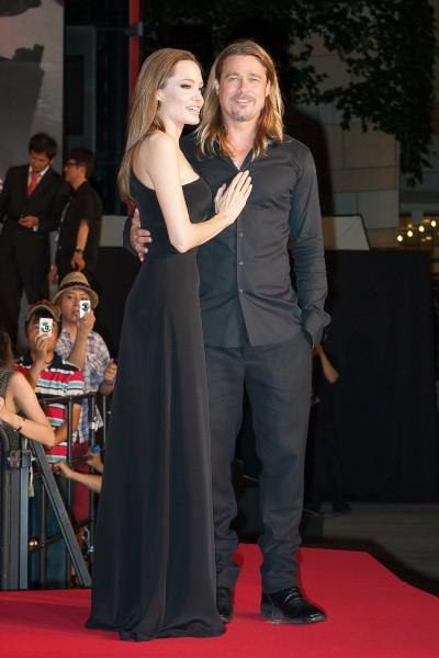 """Angelina Jolie et Brad Pitt lors de la première de """"World War Z"""" à Tokyo, le 29 juillet 2013."""