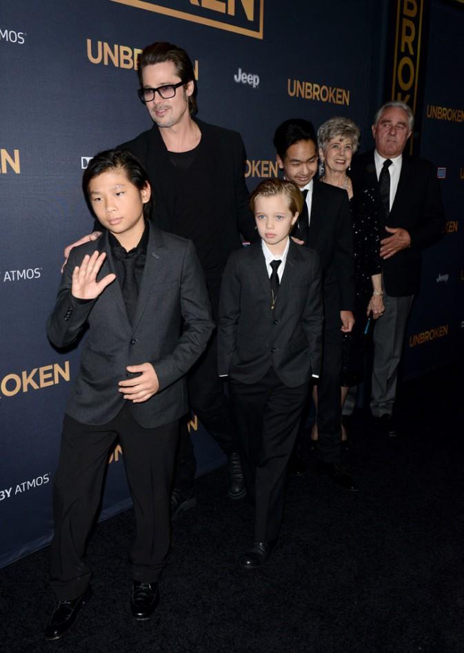 Brad Pitt, Pax Thien Jolie-Pitt, Shiloh Nouvel Jolie-Pitt et Maddox Jolie-Pitt le 15 décembre 2014
