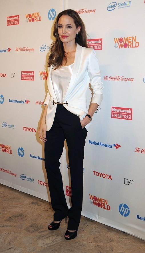Angelina Jolie au troisième sommet annuel mondial de la femme