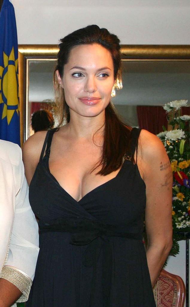 Angelina Jolie lors d'une conférence de presse en Namibie, le 7 juin 2006.