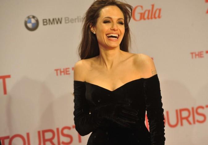"""Angelina Jolie lors de la première du film """"The Tourist"""" à Berlin, le 14 décembre 2010."""