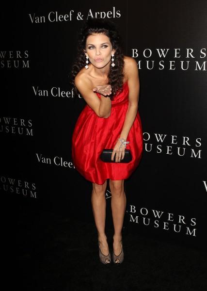 "AnnaLynne McCord ""Van Cleef & Arpels New Exhibit Opening Night Reception"" à Santa Ana, le 26 octobre 2013."