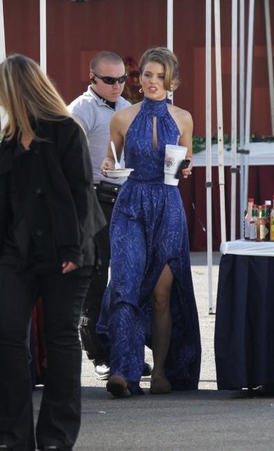 AnnaLynne McCord sur le tournage de 90210 à Los Angeles, le 21 novembre 2011.