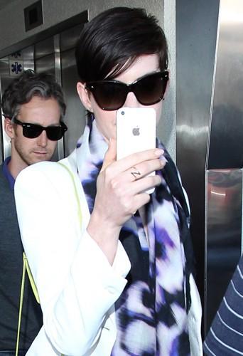 Anne Hathaway à Los Angeles le 10 mars 2014