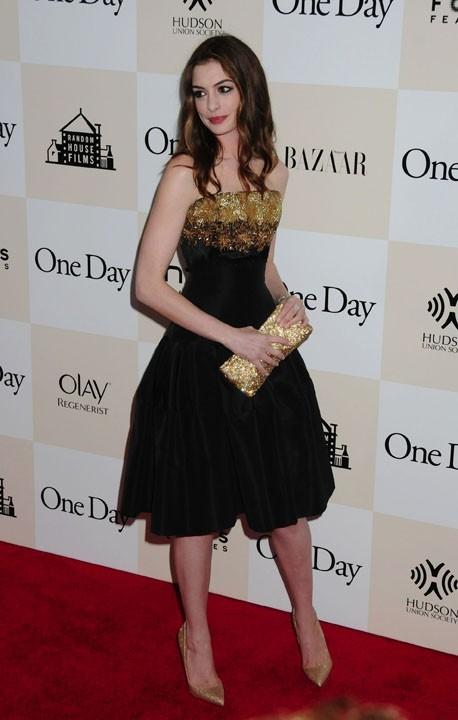 """Anne Hathaway lors de la première du film """"One Day"""" à New York, le 8 août 2011."""
