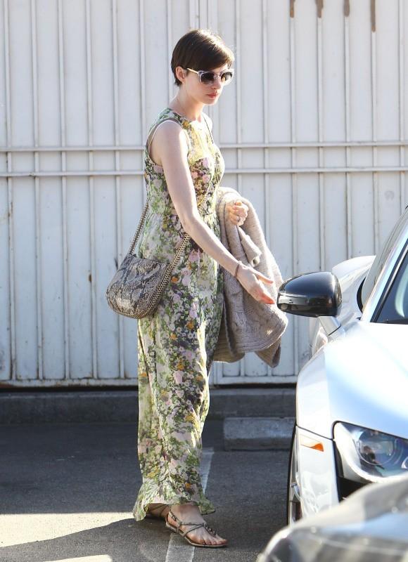 Anne Hathaway le 26 février 2013 à Los Angeles