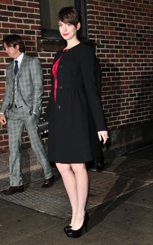 Anne Hathaway en promo à New York, le 10 décembre 2012.