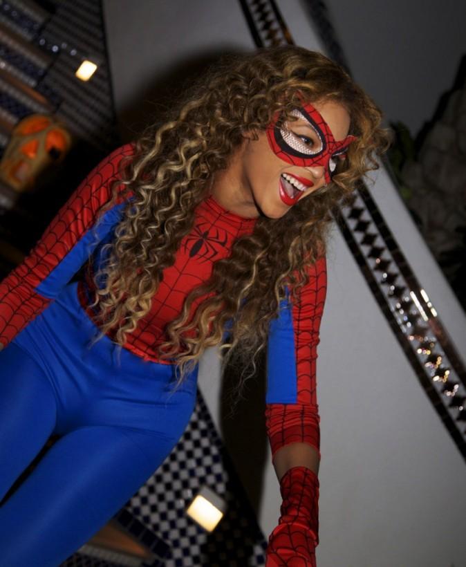 La femme araignée !