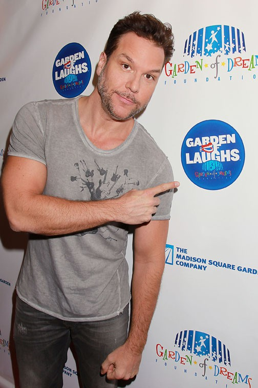 Dane Cook, 20 ans de plus que Miley !
